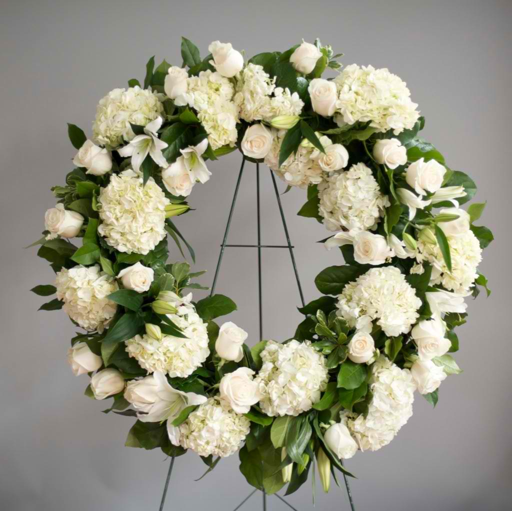 Alexs flowers fresh floral wreath all white or colors izmirmasajfo Image collections